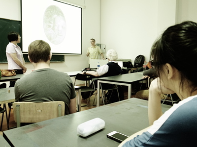 加拿大道森学院师生来访 与美院学子开展主题工作营